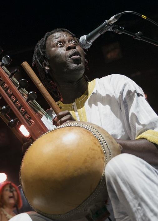 Babacar Mbaye et les musiciens de ALTER EGO